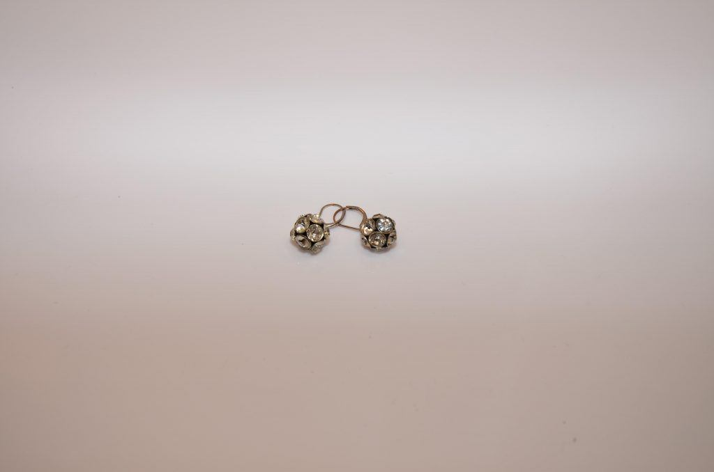 Diamond Earrings - Diamond Earring Loans - Oro Express Mesa Pawn and Gold